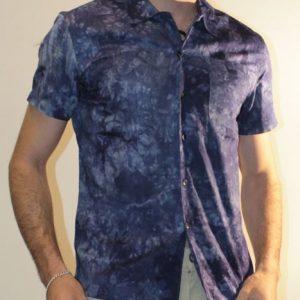 Camisa de hombre joven
